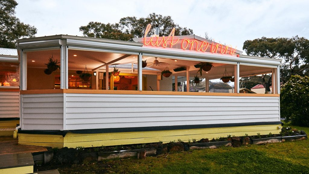 An exterior shot of Anglesea weatherboard restaurant, Last One Inn